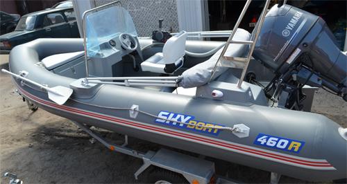 Монтаж мебели и установка лодочного мотора на Skyboat 460R
